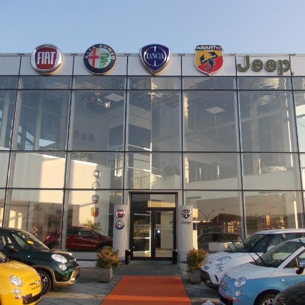 Facciata continua strutturale - Concessionaria Spazio- Torino
