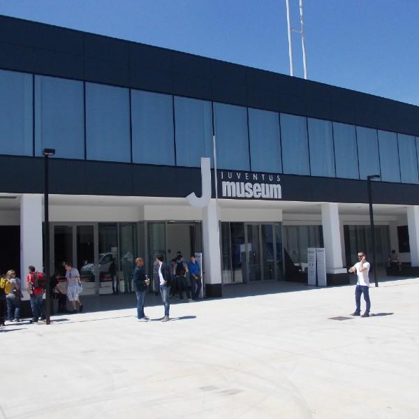 Facciata continua a montanti e traversi - Juventus Museum - Torino