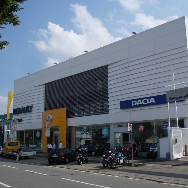 Rivestimento di facciata – Show Room Renault – Torino